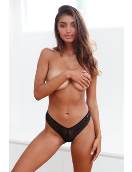 black-seamless-barely-there-thong by lounge