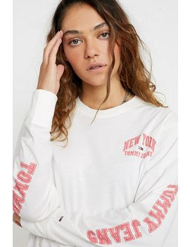 tommy-jeans-logo-long-sleeve-t-shirt by tommy-jeans