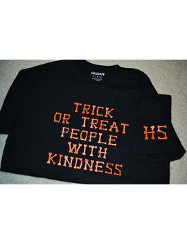 trick-or-tpwk-_-harry-styles-_-limited-edition-_-halloween-shirt-_-treat-people-with-kindness by etsy