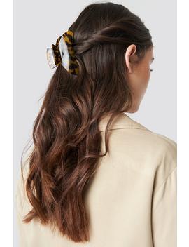 big-resin-look-hairclip-brown by na-kd-accessories