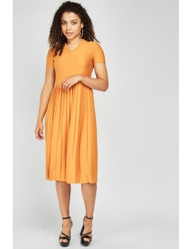 Short Sleeve Midi Pleated Dress by Everything5 Pounds