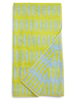 ripple-reversible-jacquard-bath-towel by dusen-dusen