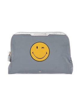 сумки-с-короткими-ручками-и-клатчи by anya-hindmarch