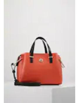 core-satchel---käsilaukku by tommy-hilfiger