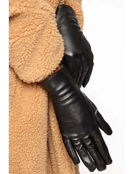 shes-a-mystery-gloves---black by fashion-nova
