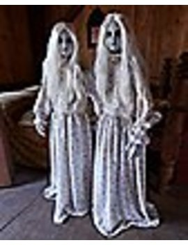 45-ft-double-trouble-animatronics---decorations by spencers