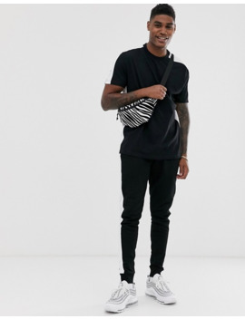 asos-design-–-czarny-t-shirt-o-luźnym-kroju-ze-wstawką-po-bokach by asosdesign