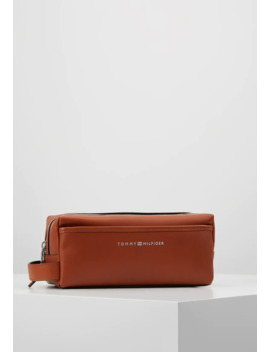 casual-washbag---toalettmappe by tommy-hilfiger