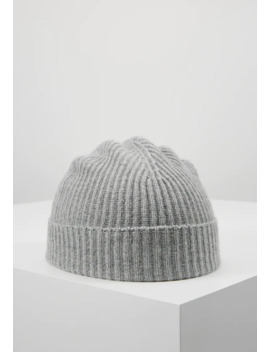 cashmere-beanie---lue by johnstons-of-elgin