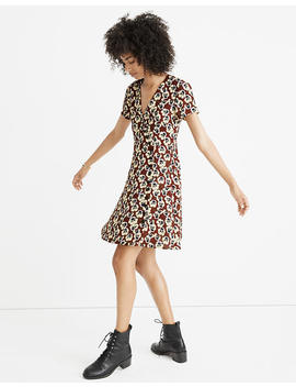 Petite Button Wrap Dress In Viola Floral by Madewell