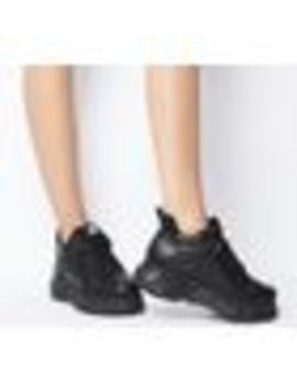 Corin Low Sneakers by Buffalo