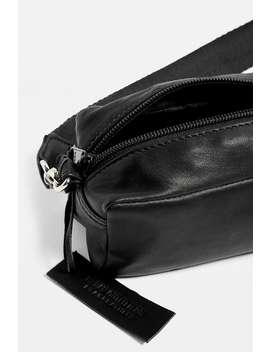Urban Outfitters– Kleine Umhängetasche Aus Leder by Urban Outfitters Shoppen