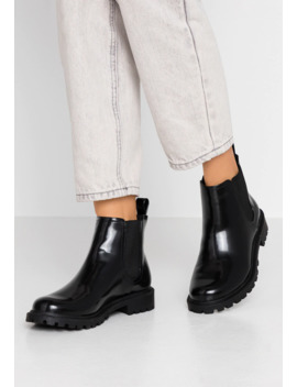 Nomi   Ankle Boots by Monki