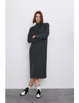 Kleid Mit Geripptem Stehkragen by Zara