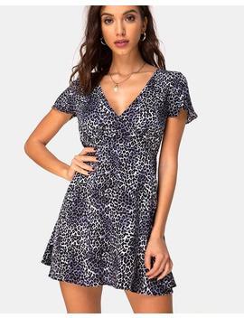 Elara Dress In Rar Leopard Grey By Motel by Motel