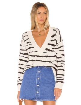 Zendaya V Neck Sweater In Cream & Brown by Superdown
