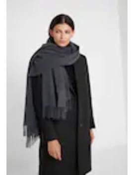 Blanket Wrap   Écharpe by Lauren Ralph Lauren