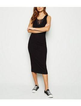 Robe Mi Longue Noire Côtelée En Jersey à Laçage by New Look