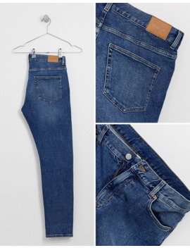Weekday Sunday Relaxed Tapered Comfort Fit Jeans In Blue by Weekday