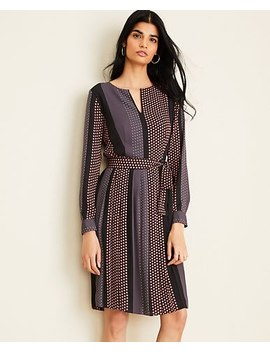 "<A Href=""Https://Www.Anntaylor.Com/Sunflower Stripe Pleated Flare Dress/505381?Sku Id=28230885&Default Color=2222&Price Sort=Desc"" Tabindex=""0"" Data Di Id=""Di Id 102cc1 Ba8d95d4"">Sunflower Stripe Pleated Flare Dress</A> by Ann Taylor"