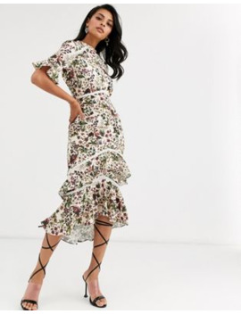 Hope &Amp; Ivy Flutter Sleeve Midaxi Dress With Ruffle Hem In Cream Tapestry Print by Hope And Ivy's