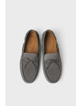 Embossed Grey Driving Shoes by Zara