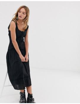 Asos Design – Ärmlös Midiklänning Med Sänkt Midja Och Spetsinfällningar by Asos Design