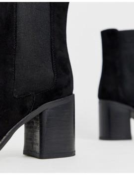Asos Design   Reverse   Suede Chelsea Boots Met Vierkante Neus In Zwart by Asos Design