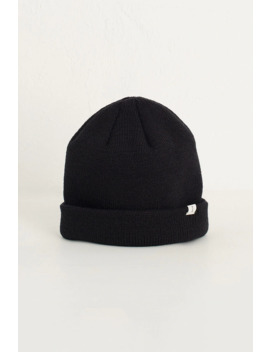 19  Simple Beanie, Black by Olive