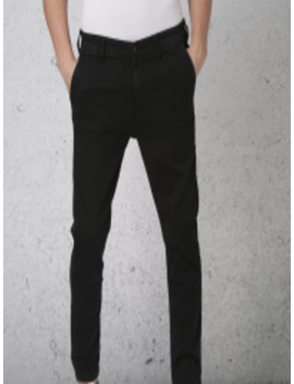 Men Black Slim Fit Mid Rise Clean Look Stretchable Cropped Jeans by Ecko Unltd