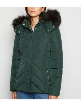 Dark Green Faux Fur Trim Fitted Puffer Jacket by New Look