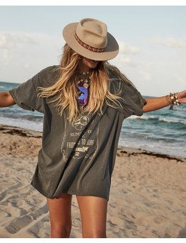 Elle Ferguson Searchin For Sunshine Tee by Billabong