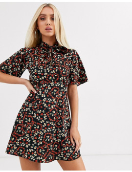 Boohoo High Neck Mini Dress In Strawberry And Daisy Print by Boohoo
