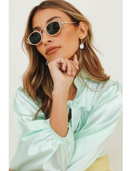 Chase The Sun Sunglasses // Gold by Vergegirl