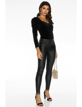 Sam Faiers Black Velvet Puff Sleeve Sweetheart Bodysuit by Quiz