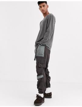 Reclaimed Vintage – Blekt Grafitgrå Långärmad T Shirt I Oversize Modell by Reclaimed Vintage Inspired