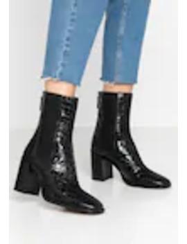 Huntington Boot   Korte Laarzen by Topshop