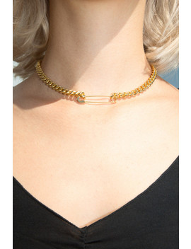 Gold Safety Pin Chain Choker by Brandy Melville