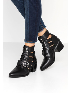 Emmy   Ankle Boots by Steve Madden