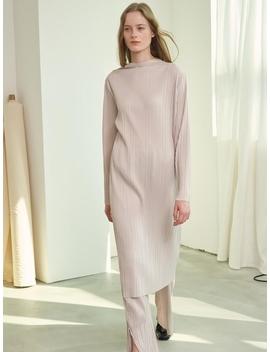 Mh11 Pleats Turtleneck Dress Ivory by 1159 Studios