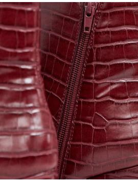 New Look   Bottes Pointues Effet Croco à Talons Carrés   Rouge Foncé by New Look