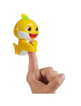 Wow Wee Baby Shark Fingerling by Wow Wee