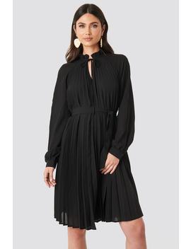 Tied Waist Pleated Skirt Dress Black by Na Kd Trend
