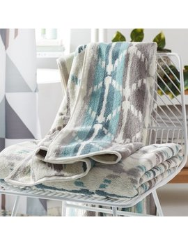Mo Drn Geo Print Hemp 2 Piece Bath Sheet Towel Set   White/Blue by Mo Drn