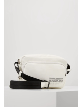 Feather Weightutility Bag   Skulderveske by Calvin Klein Jeans