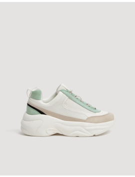 Chunky Sneaker Mit Farbigem Detail by Pull & Bear