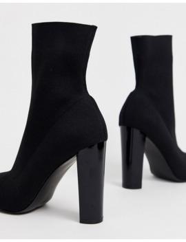 Asos Design – Enhance – Elastische Stiefel Aus Schwarzem Strick Mit Blockabsatz In Weiter Passform by Asos