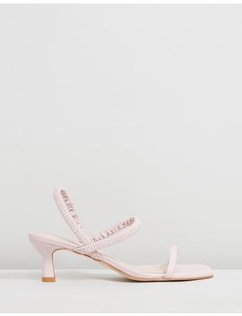 Oscar Heels by Sol Sana