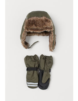 Hat And Ski Mittens by H&M