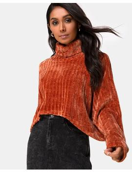 Evie Cropped Sweater In Rust Chenille By Motel by Motel